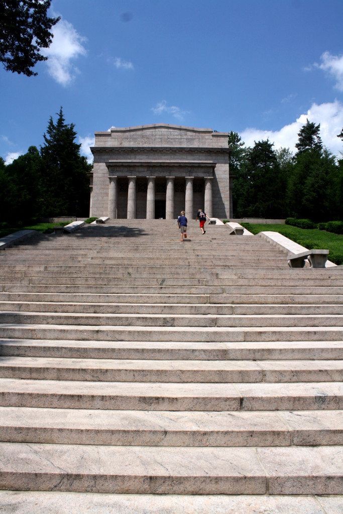 Steps up to  Lincoln Memorial Birthplace